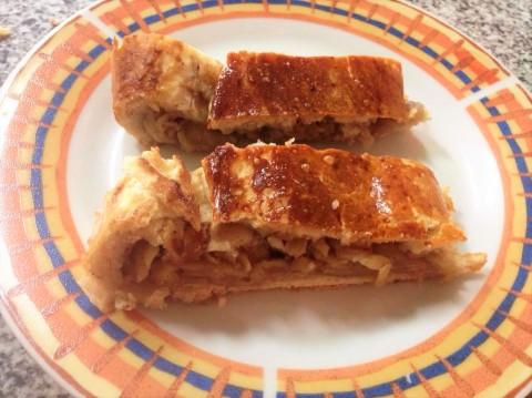 pasteles rellenos de manzana y nuez