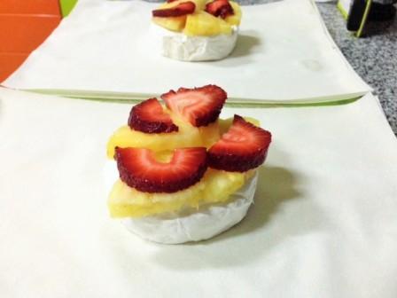 camembert-envuelto-y-ensalada-2