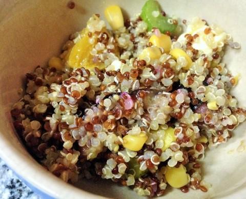 Ensalada de quinoa, naranja e higos